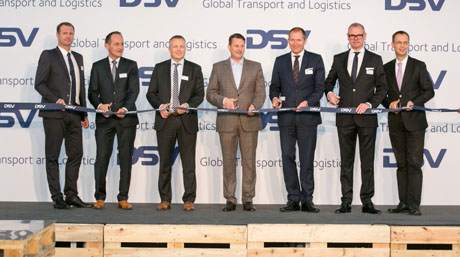 DSV management et al. cutting the ribbon